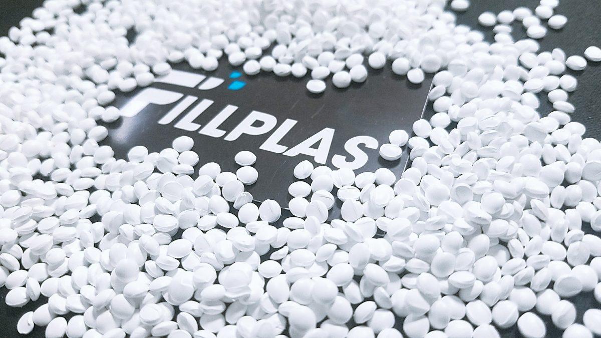 Fillplas white masterbatch material in plastic production